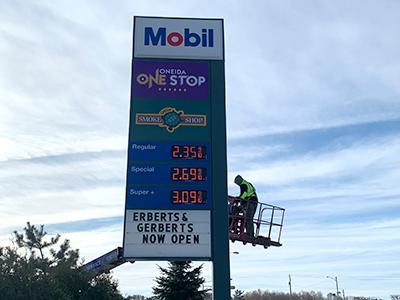 sign service, sign repair, sign repair near me, green bay sign service, fix sign, sign wont light